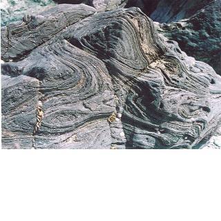 鞘型褶曲(さやがたしゅうきょく)