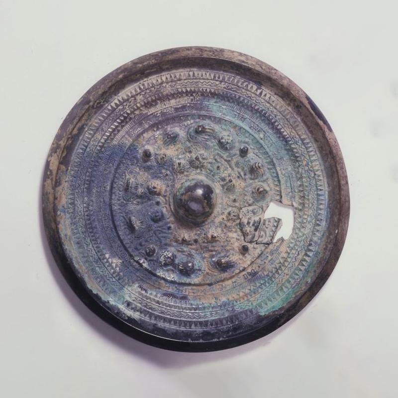 コヤダニ古墳出土 三角縁神獣鏡